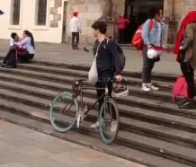 Bici I delante de la Capilla del Sagrario